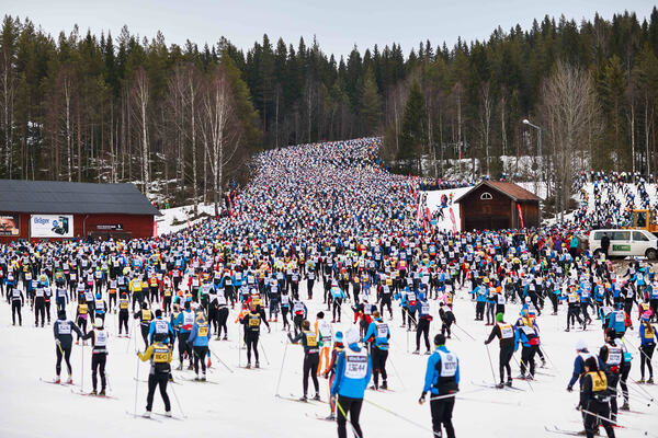 08.03.2015, Mora, Sweden (SWE): start with massive crowds- FIS Marathon Cup Vasaloppet, Mora (SWE). www.nordicfocus.com. © Felgenhauer/NordicFocus. Every downloaded picture is fee-liable. NordicFocus