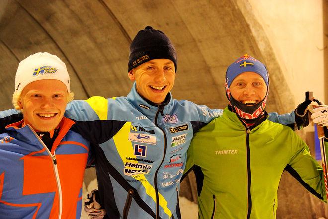 OSCAR PERSSON, SK Bore (mitten) var snabbaste kille före klubbkompisen Bill Impola (th) och trea var J-landslagsmannen Filip Danielsson, Garphytten. Foto: LEIF SKOGSBERG
