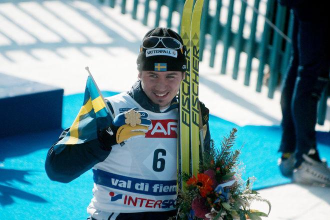 PER ELOFSSON med VM-guldet i Val di Fiemme 2003. Nu har han synpunkter på varför det är så smalt i toppen av internationell längdåkning. Foto/rights: KJELL-ERIK KRISTIANSEN/sweski.com