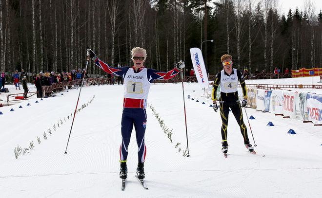 FILIP DANIELSSON från Garphyttan hade kontroll, men Gustav Johansson i Ulricehamns lag kom tillbaka starkt på upploppet och närmade sig en hel del. Foto/rights: KJELL-ERIK KRISTIANSEN/sweski.com