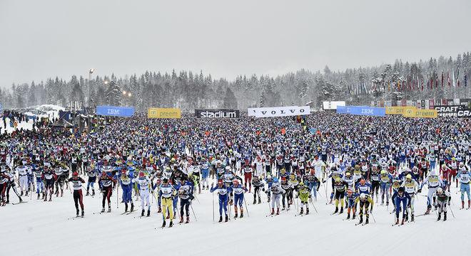PÅ SÖNDAG smäller startskottet i Berga by igen. Vasaloppet ingår också i Visma Ski Classics och är den första tävlingen i kampen om Visma Nordic Trophy. Foto: NISSE SCHMIDT/Vasaloppet
