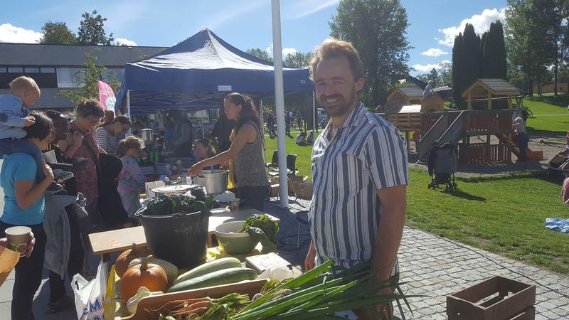 Salg av økologiske grønnsaker på Grønn Festival.jpg
