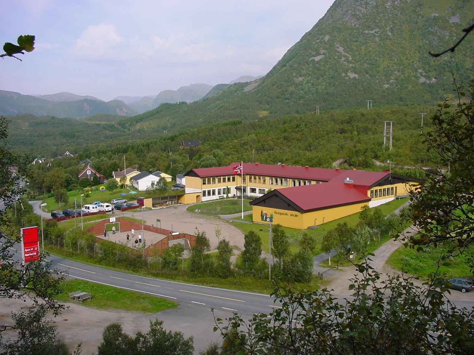 skolen2002b.jpg
