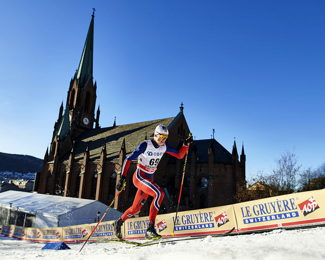 JOHANNES HØSFLOT KLÆBO är vinterns stora utropstecken. I helgen vann han minitouren i världscupfinalen i Kanada samt sprintvärldscupen totalt. Idag möter han en revanschsugen Petter Northug jr i showtävlingen Kulåssprinten i Sarpsborg. Foto: NORDIC FOCUS