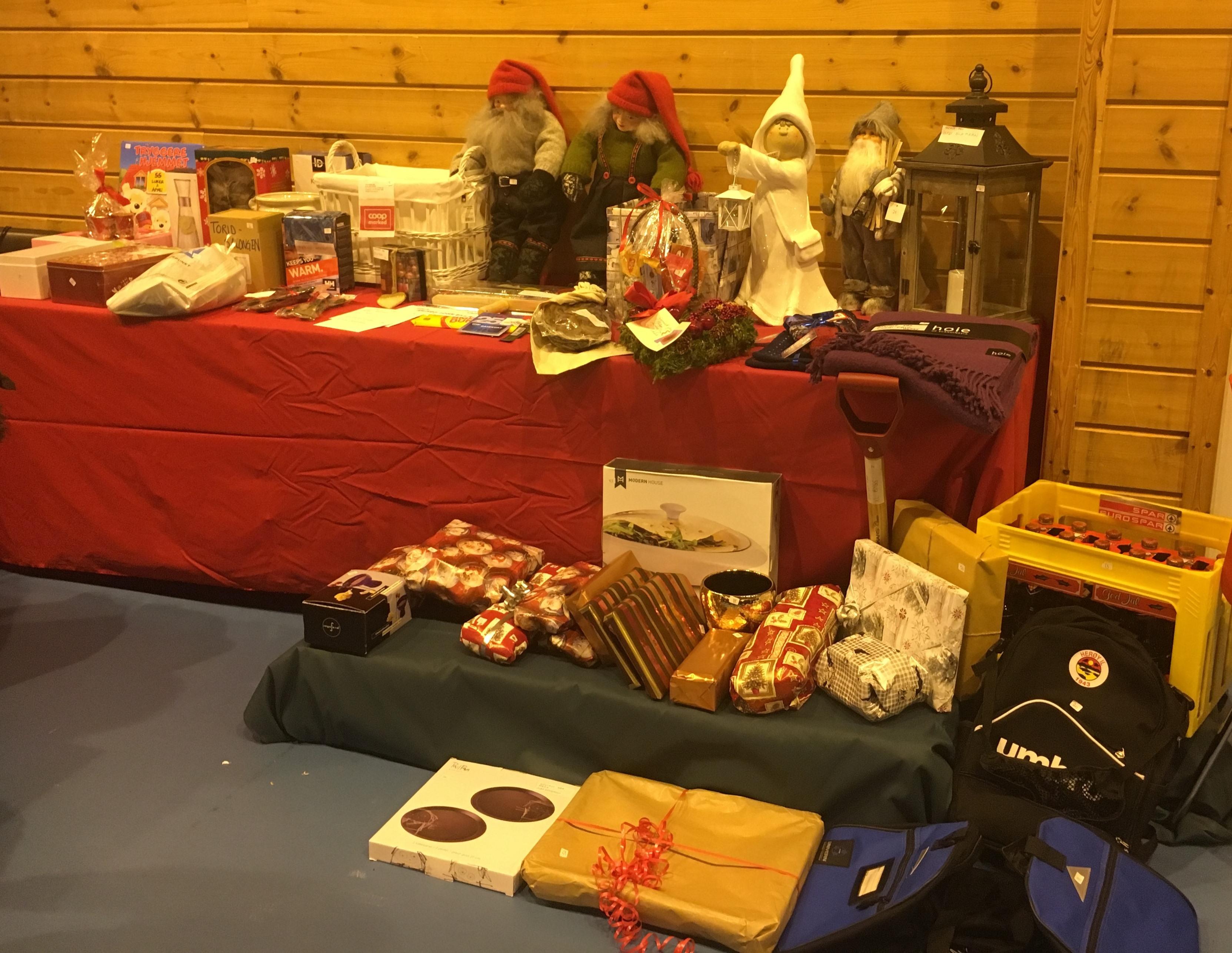 Julegrantenning og julemesse 2016_premiebord