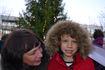 Det var en stolt gutt som kunne posere med Tone Vik etter at jobben med å tenne julelysene var gjort. Foto Dag H Nestegard-05