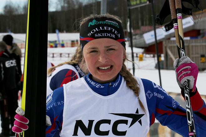FRIDA KARLSSON, Sollefteå Skidor har dominerat i D17-18 den här säsongen. Hon var helt överlägsen i den avslutande jaktstarten i Umeå. Foto/rights: KJELL-ERIK KRISTIANSEN/sweski.com