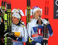 CHARLOTTE KALLA och Hanna Falk är oense om damernas stafettlag på VM i Lahtis. Härligt, inget är bättre än fight och konkurrens om platserna. Det blir alla bättre av. Foto/rights: MARCELA HAVLOVA/sweski.com