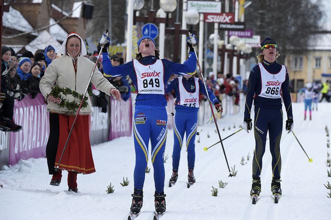HÅRD SPURT i H13-14, men det är till slut Mattias Andersson från Domnarvet som vinner klassen efter 7 km före Ludvig Berg, Granbergsdal och klubbkompisen Erik Johansson från Domnarvet. Foto: ULF PALM/Vasaloppet