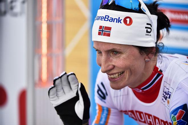 MARIT BJØRGEN såg ut att vara slagen i Holmenkollens tremil, men hon kom tillbaka och ryckte ifrån på slutkilometern. Hennes 7:e seger i tävlingen. Foto: NORDIC FOCUS