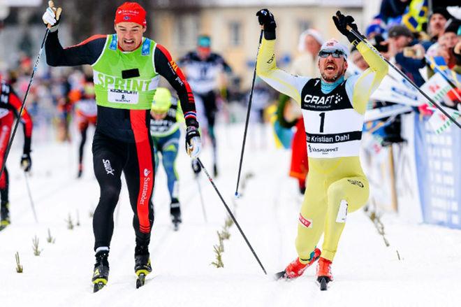 JOHN KRISTIAN DAHL (höger) kom från ingenstans och försvarade segern i Vasaloppet från förra året. Nu före Andreas Nygaard. Foto: MAGNUS ÖSTH/Visma Ski Classics