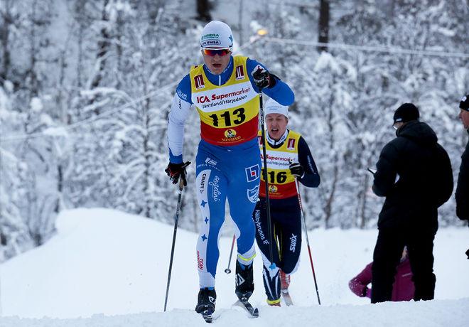 SIMON KARLSSON, IFK Umeå var snabbast i proloen i JSM-sprinten i H17-18. Här från Bruksvallsloppet i vinter, i JSM i Kalix handlar det om fri teknik. Foto/rights: KJELL-ERIK KRISTIANSEN/sweski.com