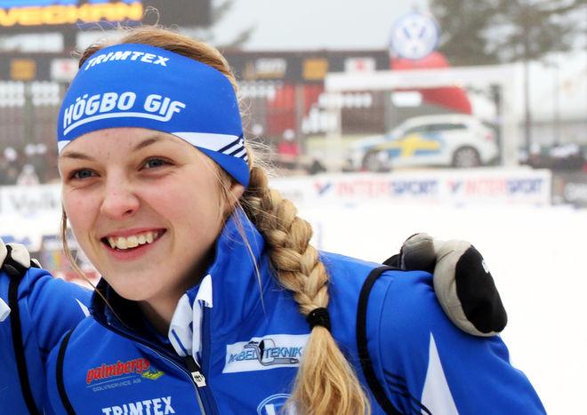 "LOUISE LINDSTRÖM lyckades slå ""omöjliga"" Frida Karlsson och vinna JSM-guldet i sprint i D17-18. Foto/rights: MARCELA HAVLOVA/sweski.com"