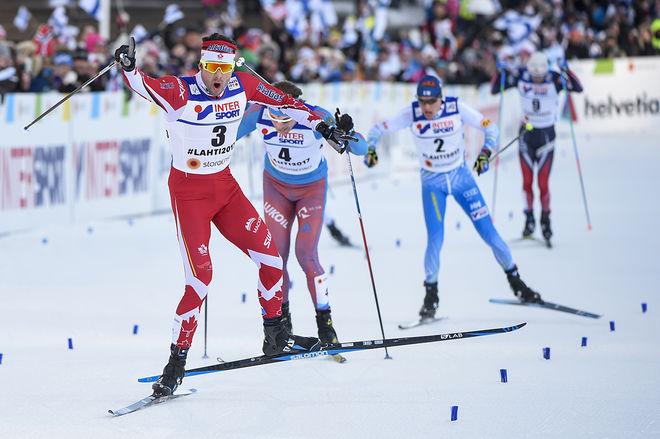 ALEX HARVEY spurtar in till VM-guldet på femmilen i Lahtis - en höjdpunkt för TV-tittare i Skandinavien. Men i hemlandet Kanada var det ingen som kunde följa tävlingarna direkt på TV. Foto: NORDIC FOCUS
