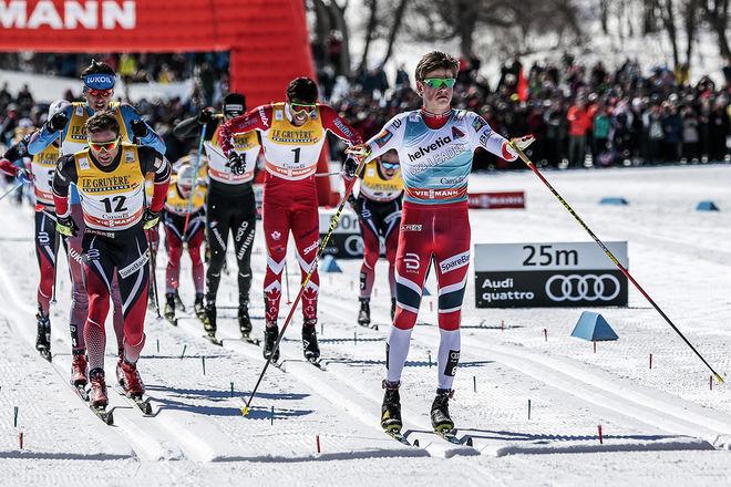 JOHANNES HØSFLOT KLÆBO vinner masstarten i Quebec före Niklas Dyrhaug, Alexander Bessmertnykh och Alex Harvey. Foto: NORDIC FOCUS