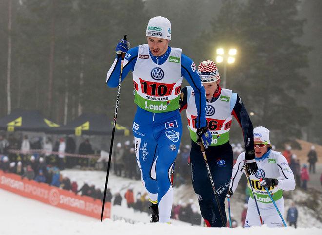 TEODOR PETERSON drog ifrån och säkrade seger till IFK Umeå på slutsträckan i SM i teamsprint under fredagen. Här från SM i Söderhamn. Foto/rights: MARCELA HAVLOVA/sweski.com