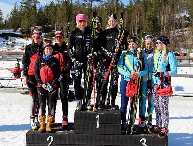 BIATHLON ÖSTERSUND (mitten) vann lite överraskande SM-stafetten före Piteå (tv) och SK Bore. Foto: SVENSKA SKIDSKYTTEFÖRBUNDET
