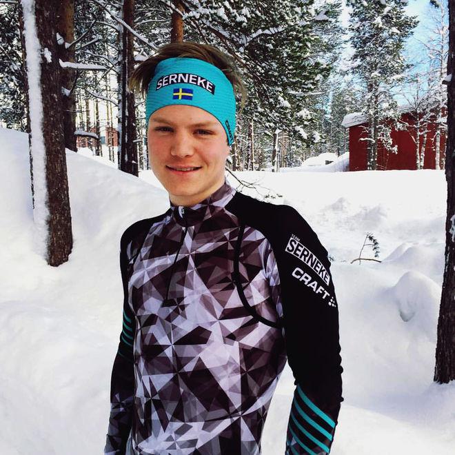 SM-NIAN på femmilen, Gabriel Thorn, byter ut Bengtsfors BOIS-dräkten med Team Sernekes dräkt i helgens Reistadløpet i Bardu i norra Norge. Det är näst sista tävlingen i Visma Ski Classics den här säsongen. Foto: TEAM SERNEKE