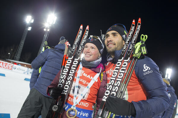 27.11.2016, Oestersund, Sweden, (SWE):Marie Dorin Habert (FRA), Martin Fourcade (FRA), (l-r) - IBU world cup biathlon, single mixed relay, Oestersund (SWE). www.nordicfocus.com. © Manzoni/NordicFocus. Every downloaded picture is fee-liable. NordicFocus