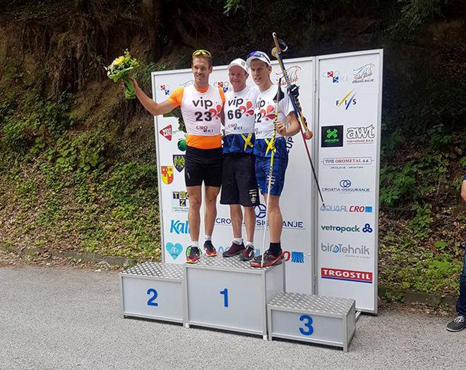 ROBIN NORUM, IFK Umeå (mitten) vann lördagens backrace i världscupen på rullskidor i Kroatien. Tvåa var slovaken Peter Mlynar (tv) och trea Tom Fahlén, Landsbro IF. Alla foton: LANDSLAGET RULLSKIDOR