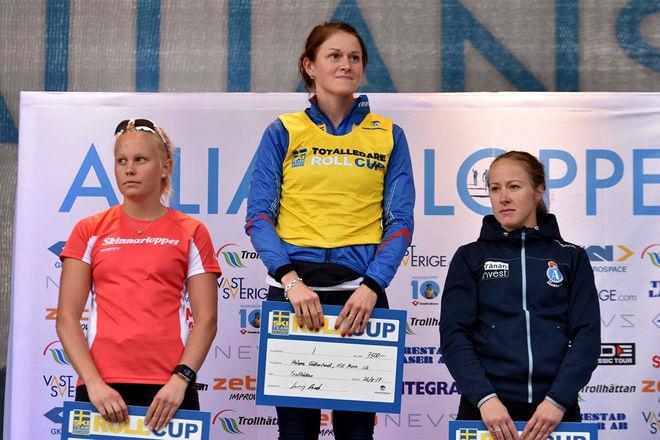 TOP 3 I DAMKLASSEN totalt. Från vänster: Sandra Olsson, Malung (tvåa), Helene Söderlund, Mora (etta) och Lisa K Svensson, Åsarna (trea).