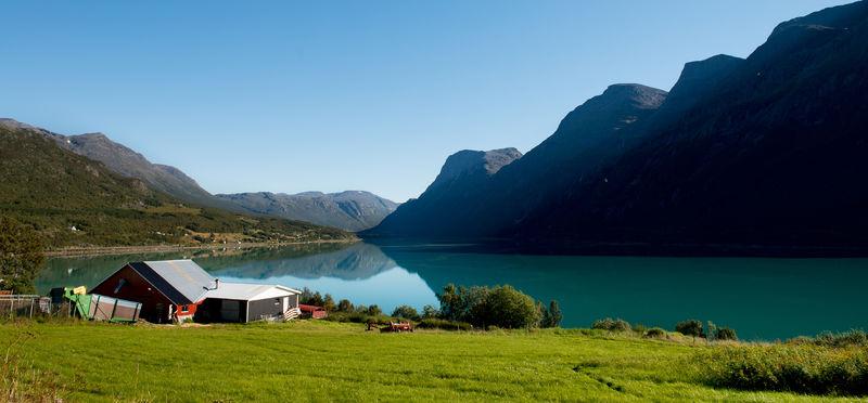 IndreKåfjordfraTrollvikFoto:JenskrNilsensmalere