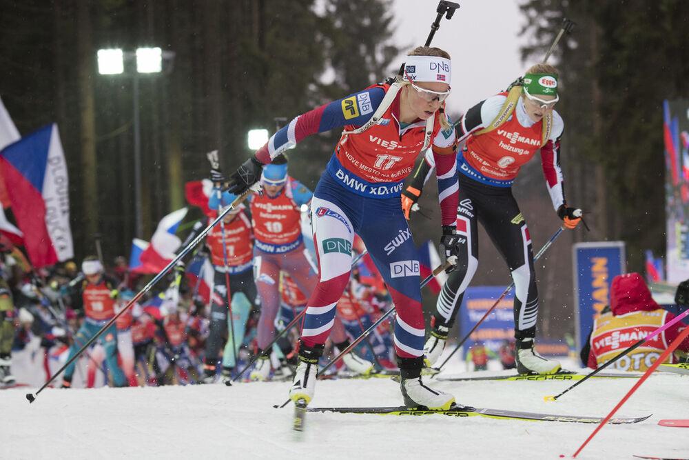 18.12.2016, Nove Mesto, Czech Republic (CZE): Tiril Eckhoff (NOR), Lisa Theresa Hauser (AUT), (l-r) - IBU world cup biathlon, mass women, Nove Mesto (CZE). www.nordicfocus.com. © Manzoni/NordicFocus. Every downloaded picture is fee-liable.