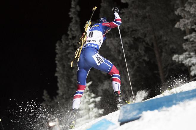 DET HÄR VAR vad konkurrenterna fick se av Johannes Thingnes Bø som var förkrossande överlägsen i distansloppet i Östersund. Foto: NORDIC FOCUS