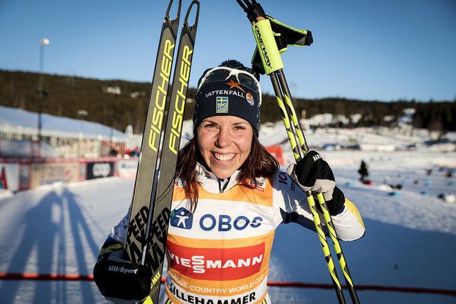 CHARLOTTE KALLA kan jubla för ledning i världscupen. Hon startar i gul ledartröjan också i helgens tävlingar i Davos. Foto: NORDIC FOCUS