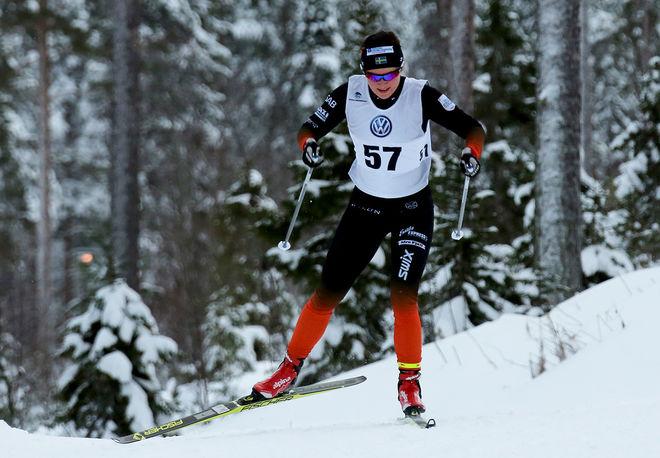 MOA MOLANDER KRISTIANSEN, Falun-Borlänge SK var inte riktigt nöjd med insatsen i Piteå i helgen, men hon är ändå fortfarande bästa svenska åkare totalt i Skandinaviska cupen. Nu delad trea. Foto: MIKAEL EDSTRÖM