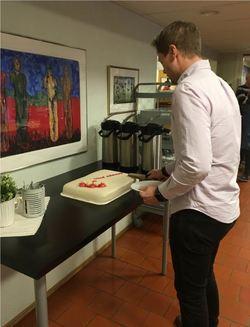 Ordfører Harald Tyrdal åpner kakefesten