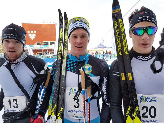 LARS PERSSON, ÖSK (mitten), Max Novak, Offerdal (th) och Håkan Emilsson, Offerdal (th) tog dom tre första platserna i Östersund Ski Marathon och slog alla OS-uttagna Daniel Richardsson. Foto: THORD ERIC NILSSON