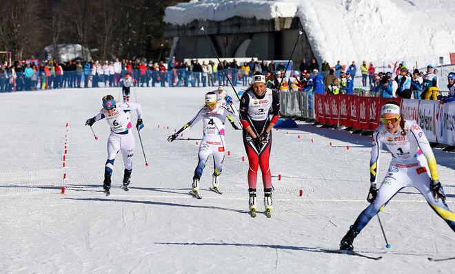 BRONSFIGHTEN bakom segrande Moa Lundgren och tvåan Kristine Stavaas Skistad blev stenhård. Frida Karlsson (th) fick bronset, men först efter ett långt jurysammanträde för att se om hon var före finskan Anita Korva, som gjorde en jätteinsats i semifinalen där hon föll i starten men ändå tog sig vidare. Foto/rights: KJELL-ERIK KRISTIANSEN/KEK-stock