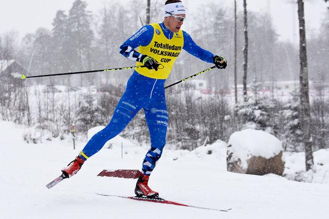 ANTON LINDBLAD, Hudiksvall hade ledartröjan inför tävlingen och han vann också prologen. Men i finalen blev Anton sist och tappade totalledningen i Volkswagen cup. Foto: ROLF ZETTERBERG