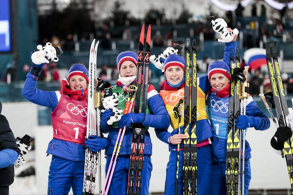17.02.2018, Pyeongchang, Korea (KOR):Ingvild Flugstad Oestberg (NOR), Astrid Uhrenholdt Jacobsen (NOR), Ragnhild Haga (NOR), Marit Bjoergen (NOR), (l-r) - XXIII. Olympic Winter Games Pyeongchang 2018, cross-country, 4x5km women, Pyeongchang (KOR). www.no