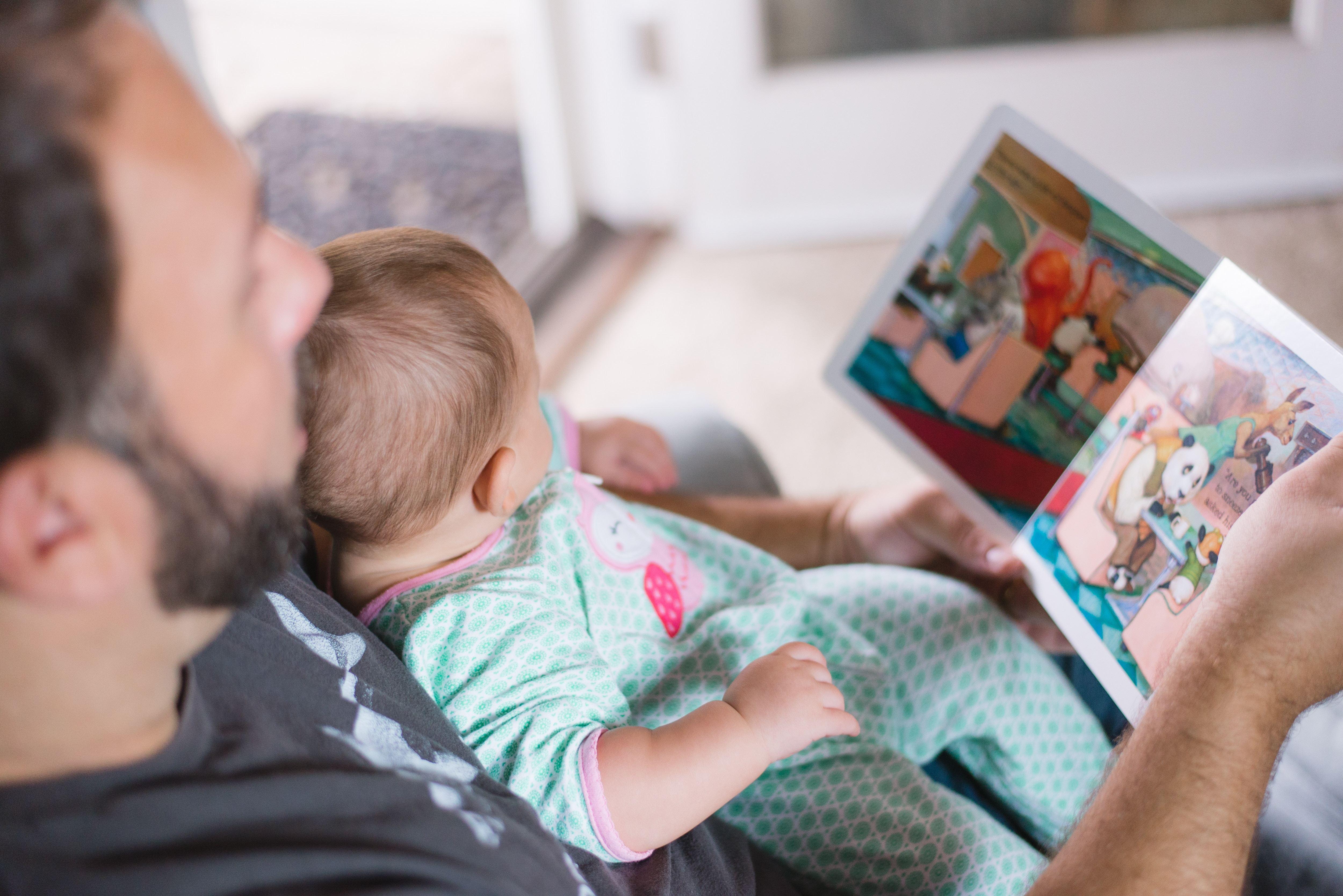 Barn og familie foto illustrasjon far med barn