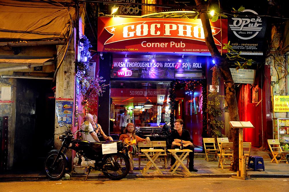 2018-03-30 RL Vietnam Hanoi Goc Pho bar 0032.jpg