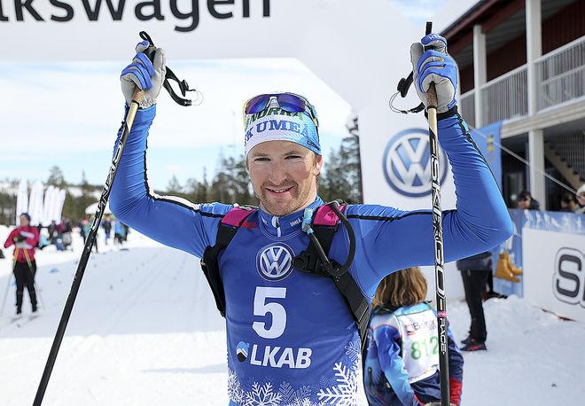 TEODOR PETERSON, IFK Umeå kunde jubla efter spurtseger i det fem mil långa NSD Classic i Gällivare. Foto: MICKAEL RENSTRÖM, Imega Promotion