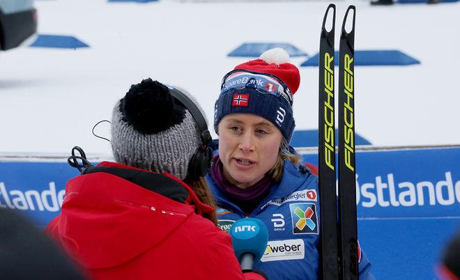 DET BLEV OS-mästarinnan Ragnhild Haga som kunde göra segerintervjun hos NRK i det som troligen var Marit Björgens sista NM-tävling. Foto/rights: MARCELA HAVLOVA/KEK-stock