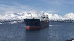 Hagland Saga legger til kai med moduler til SHOK i Olderdalen