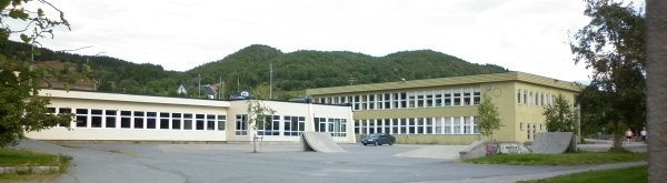 BorkenesSkole2.JPG