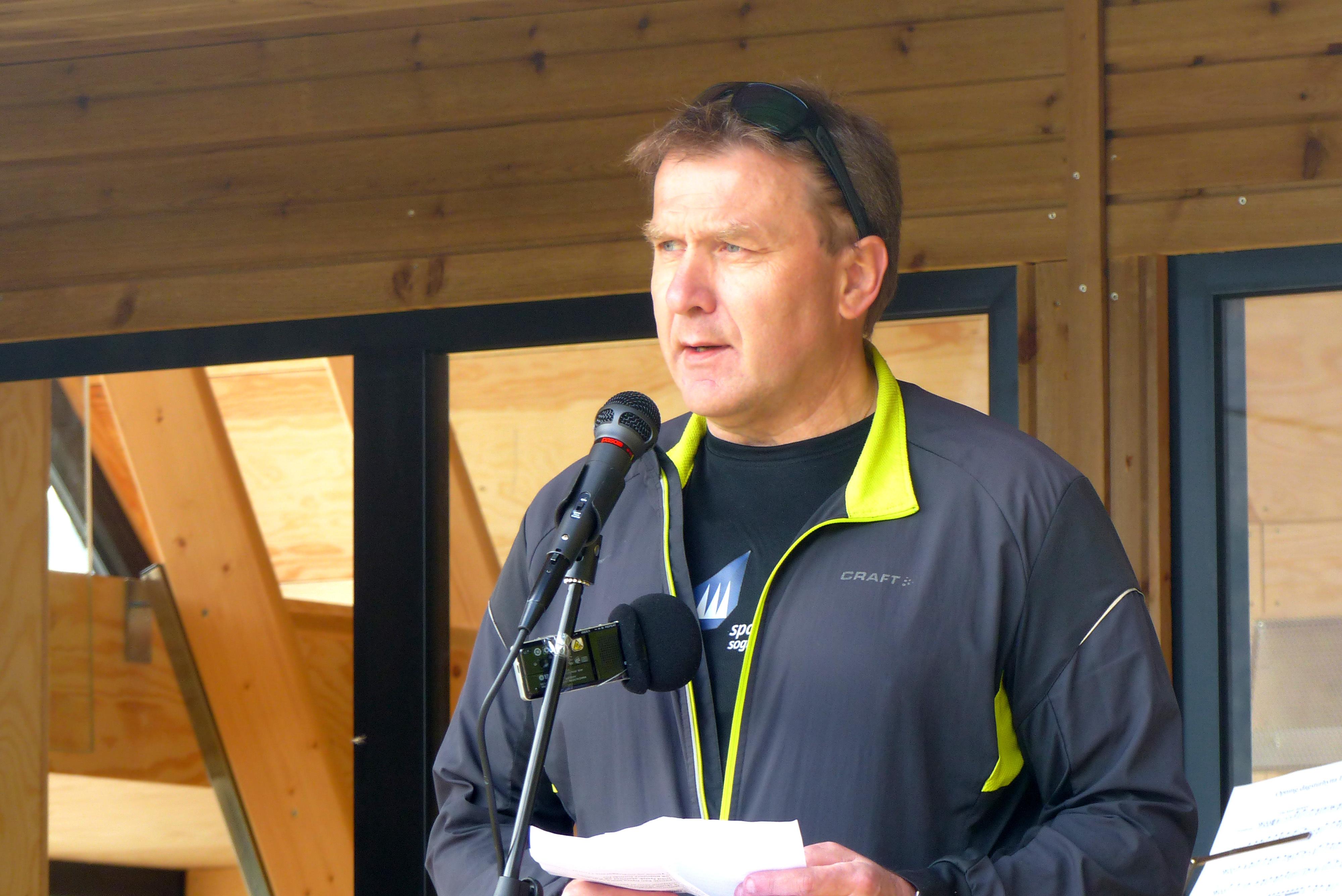Jan Petter Vadheim helsa frå Sp. stiftinga.jpg