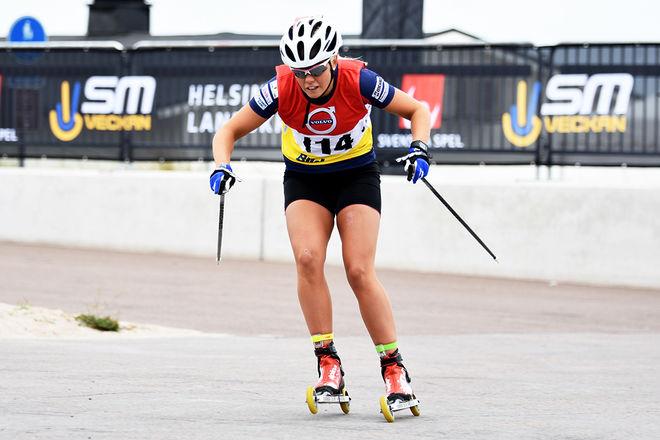SANDRA OLSSON är ett hemmahopp i världscupen på rullskidor i Torsby i helgen. Här från SM i Helsingborg den gångna helgen. Foto: ROLF ZETTERBERG