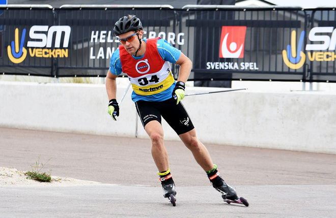 ERIK SILFVER, IFK Umeå är en av dom svenska åkarna i helgens världscup på rullskidor i Torsby. Här från SM i Helsingborg förra helgen. Foto: ROLF ZETTERBERG
