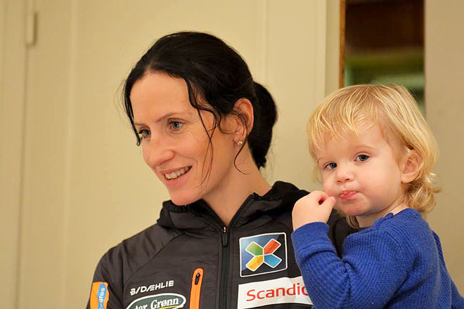 MARIT BJØRGEN och lille Marius på 2,5 år skall bli storebror i mars. Foto: ROLF ZETTERBERG