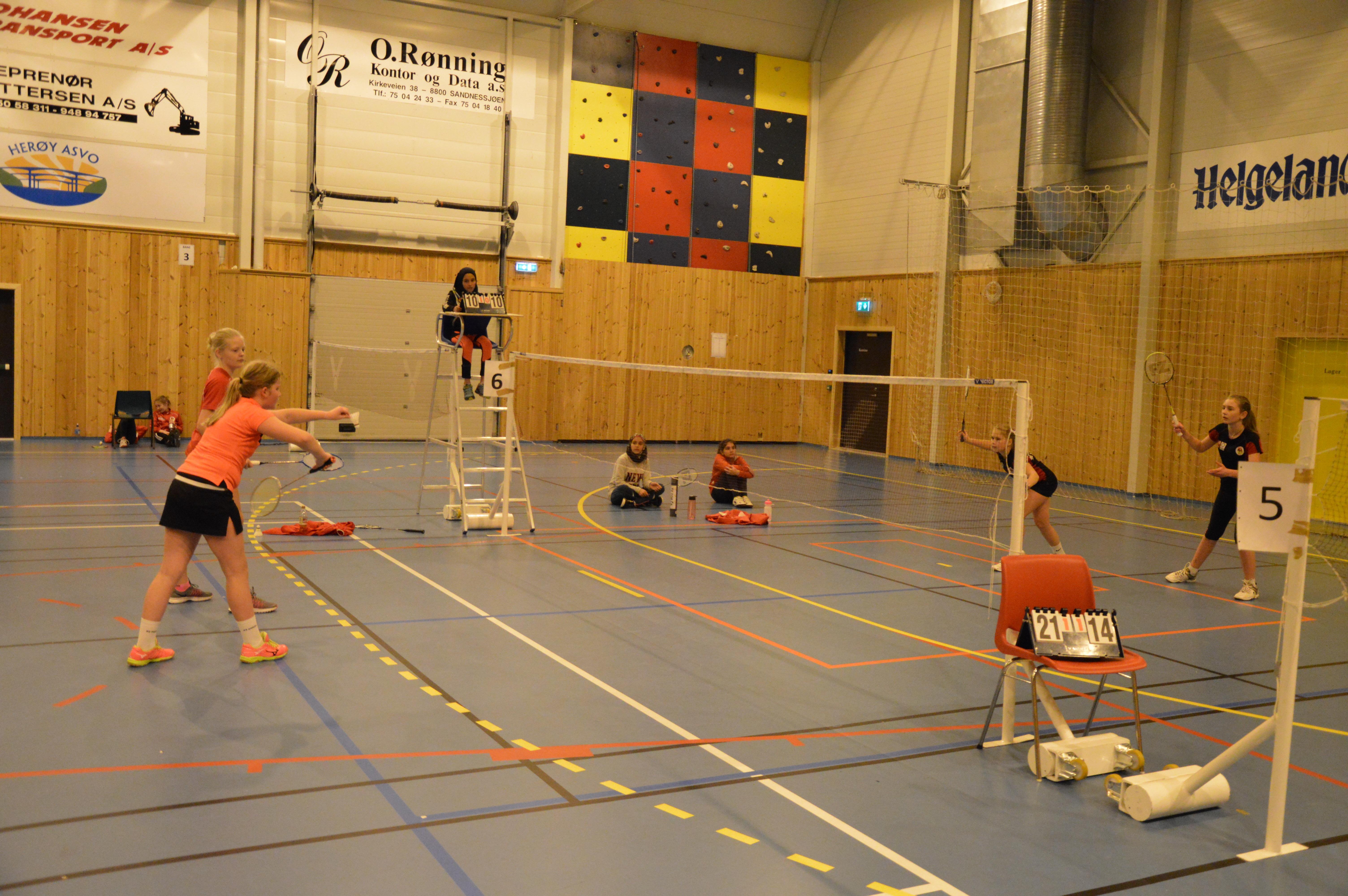 Kruttcup i badminton 2018_jentekamp