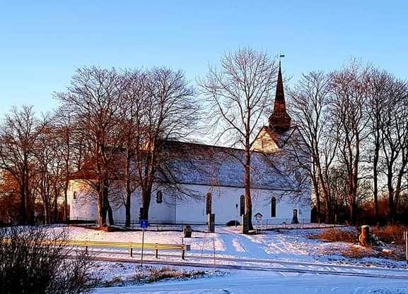 Herøy kirke_vinter