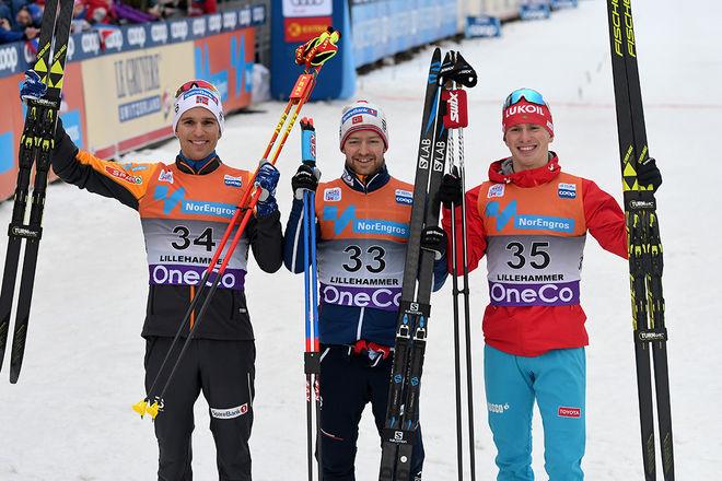 SJUR RÖTHE (mitten) tog sin andra världscupseger i karriären. Han vann före Didrik Tönseth (tv) och Denis Spitsov. Foto: ROLF ZETTERBERG