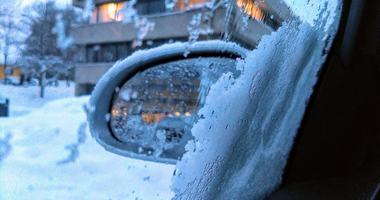 Biler og tilhengere parkert i veien kan føre til at de som skal brøyte og strø ikke kommer fram i din vei.