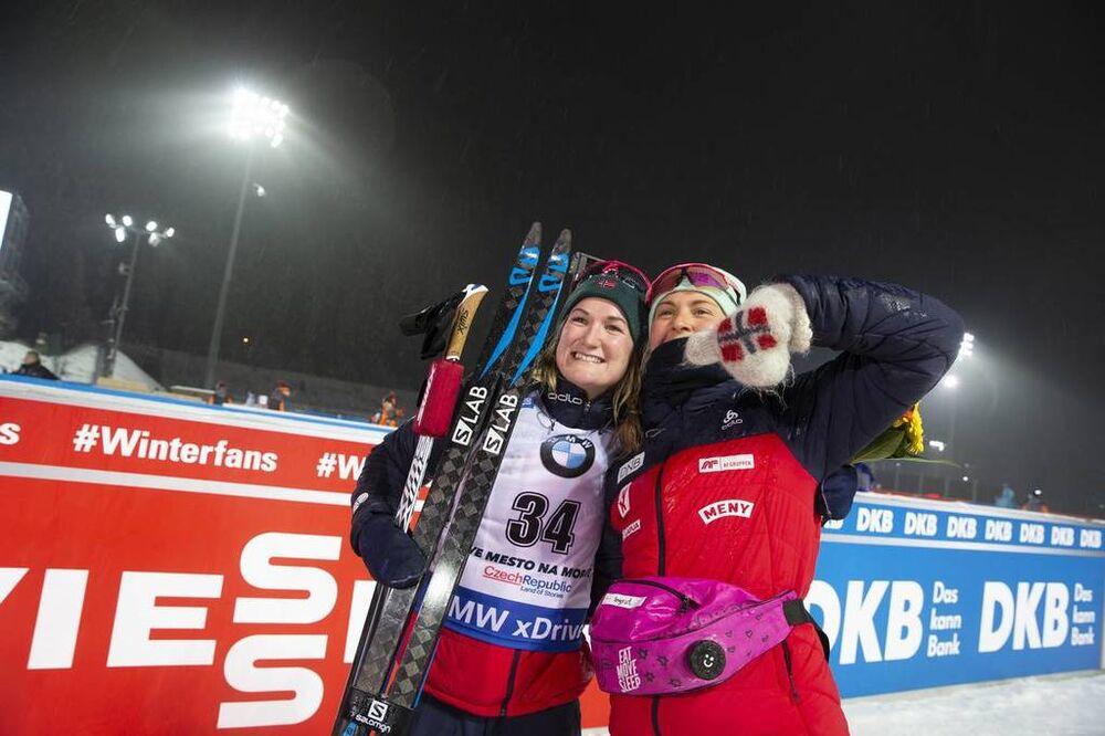 21.12.2018, Nove Mesto, Czech Republic (CZE):Marte Olsbu Roeiseland (NOR), Ingrid Landmark Tandrevold (NOR), (l-r) - IBU world cup biathlon, sprint women, Nove Mesto (CZE). www.nordicfocus.com. © Manzoni/NordicFocus. Every downloaded picture is fee-liab